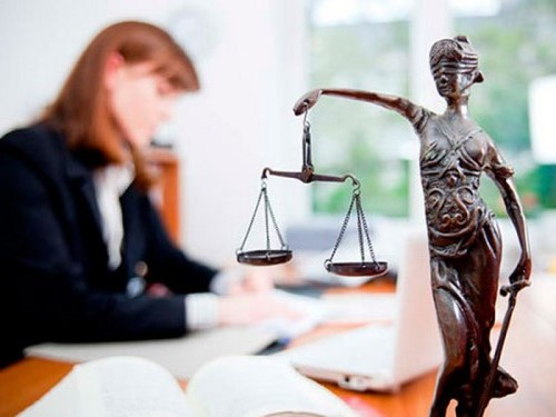 як вибрати адвоката